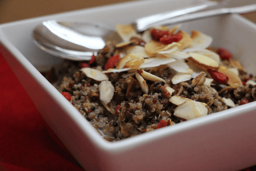 Gogi Berry Quinoa Breakfast Bowl